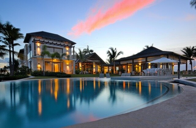 Spectacular Villa with Oceanfront & Private Pool, holiday rental in Cap Cana
