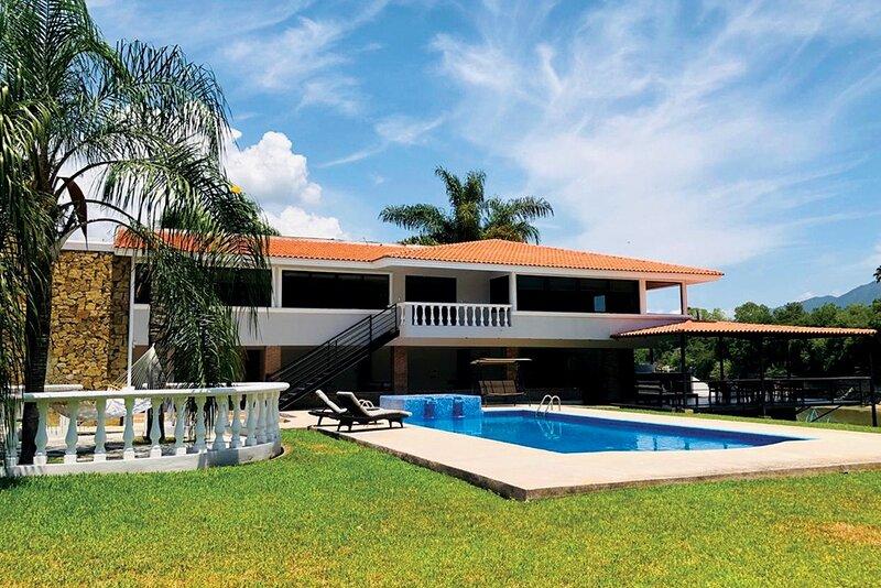 Villa / Quinta de Lujo en la Presa de la Boca, location de vacances à Allende