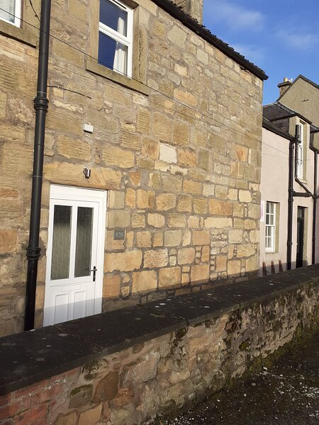 Bee's Townhouse, holiday rental in Ladybank