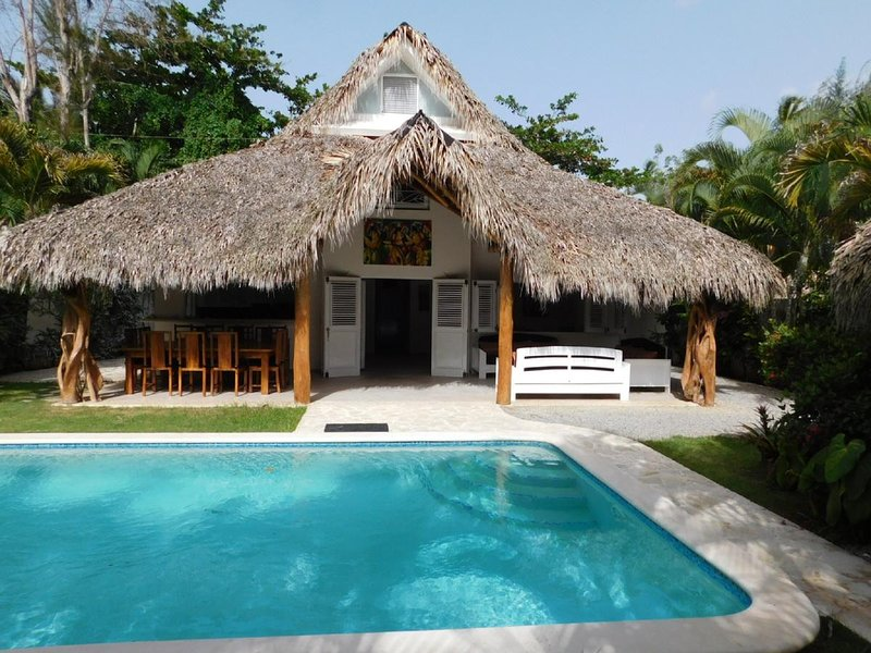 Amazing house with swimming-pool, holiday rental in El Limon