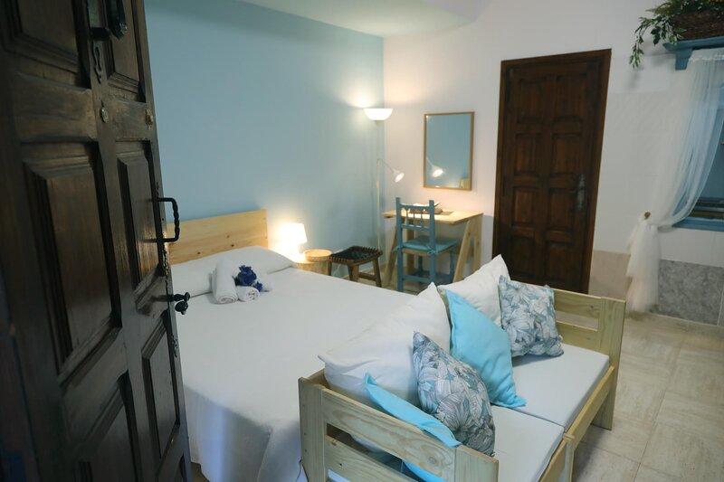 Apartamentos  Alcossebre 'El Faro Apartaments Alcossebre 'Piscina y Playa'., holiday rental in Alcala de Xivert