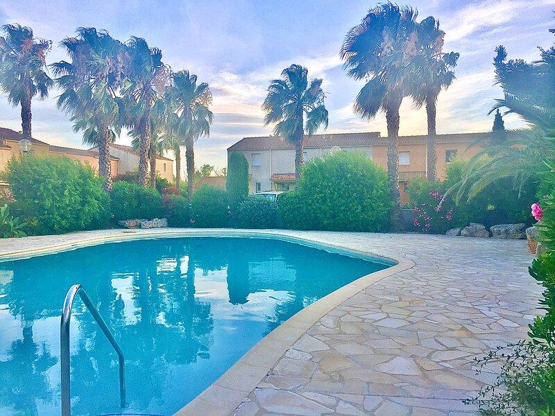 Villa T3 piscine en bord de mer 15' Cap d'Agde, holiday rental in Valras-Plage