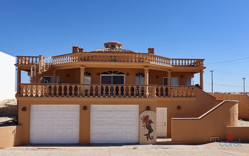 Beautiful 4 bed, 4 bath, beautiful views in las Conchas dream by the Sea, holiday rental in Puerto Penasco