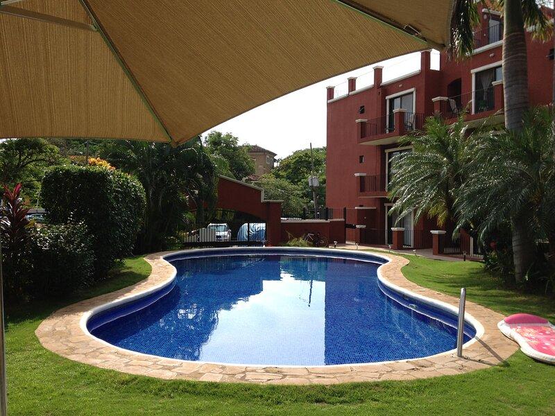 Quiet Apartment at Playa Tamarindo, vacation rental in Tamarindo