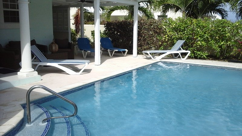 The Pool House in Atlantic Rising, by the stunning Bottom Bay Beach, holiday rental in Bottom Bay