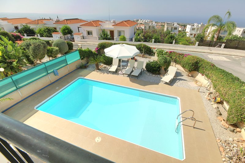Lovely Villa with private pool in peaceful location!, vacation rental in Peyia