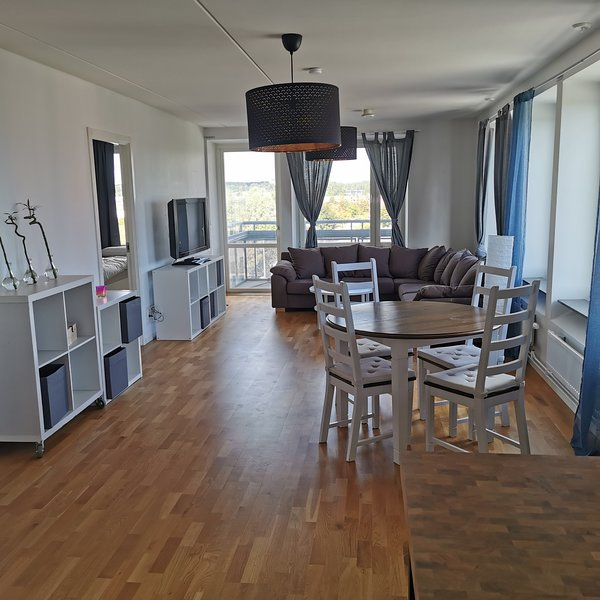 Modern apartment in the central of Gävle – semesterbostad i Bergby