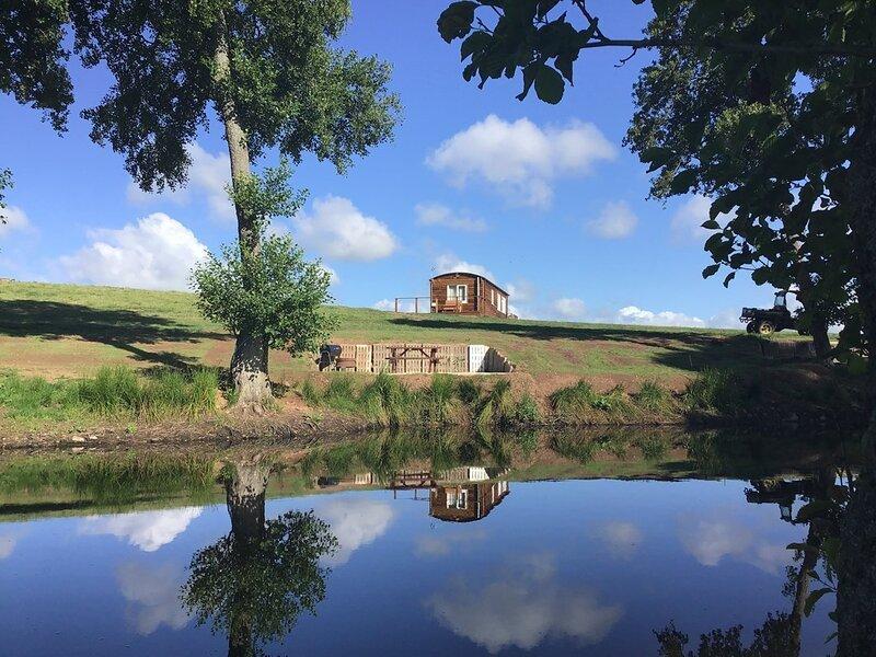 Twilight Shepherd lodge, alquiler de vacaciones en Llanddewi Rhydderch
