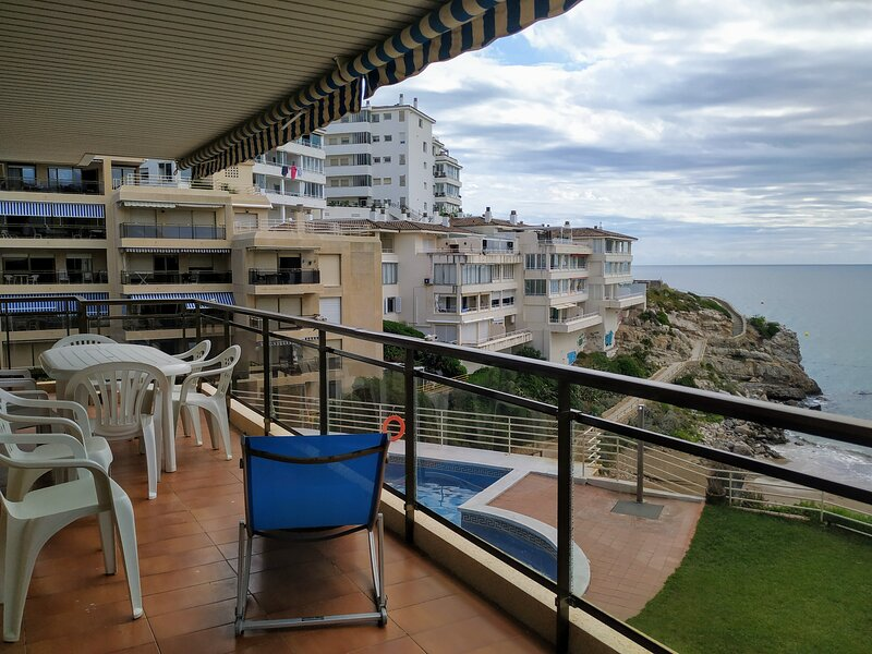 Apartamento a pie de playa Llenguadets, vacation rental in Salou