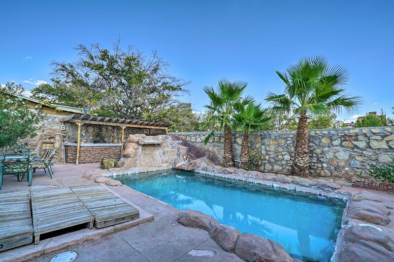 NEW! Home in El Paso w/ BBQ, 4 Mi to Sunland Park!, holiday rental in Santa Teresa