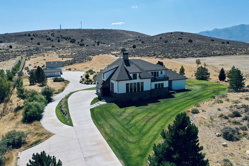 Secluded Private Ranch on 6 Acres great for large groups, location de vacances à Lehi