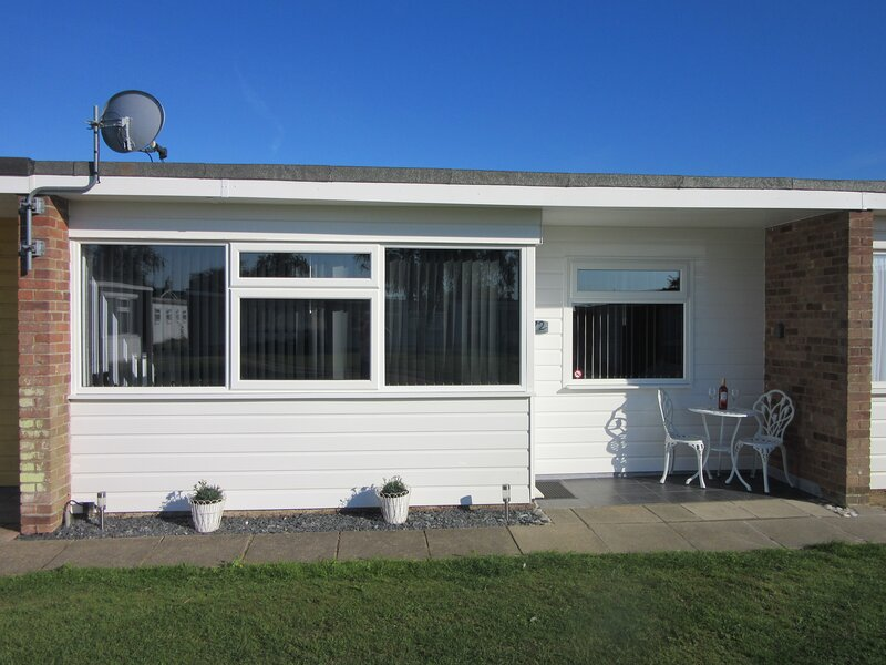 'PEACEHAVEN' BEACH ROAD HOLIDAY PARK, SCRATBY, vacation rental in Great Yarmouth