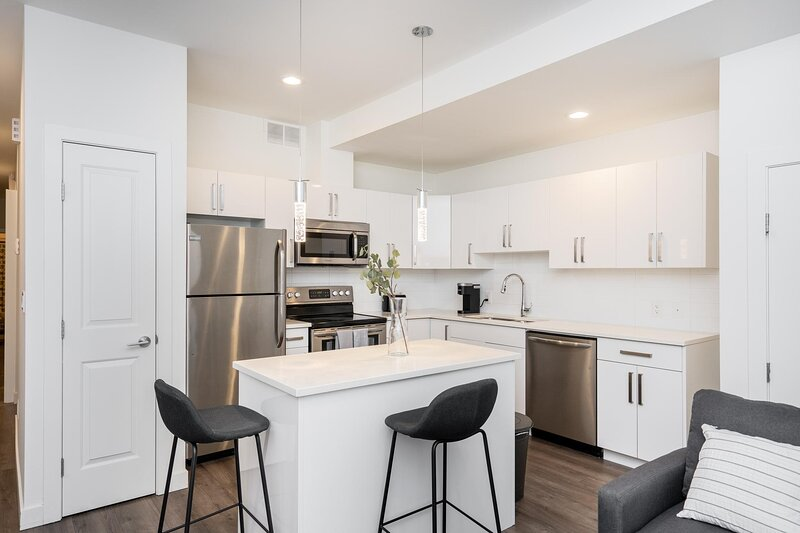 Cozy 2 Bdr w/ Priv. Entrance | Mature Area | Easy Parking, casa vacanza a Winnipeg