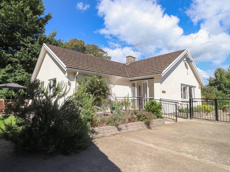 Goldcrest, Newport, Pembrokeshire, holiday rental in Moylegrove