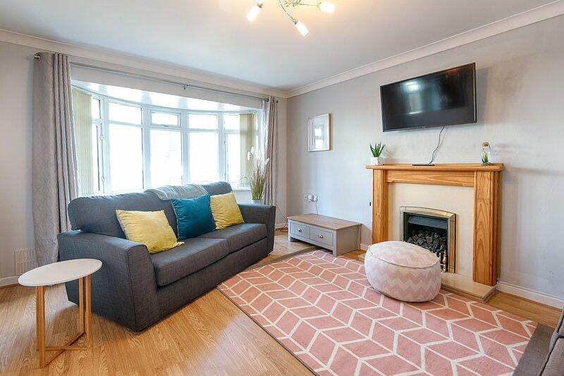 Pleasant Stay in Swansea, holiday rental in Skewen