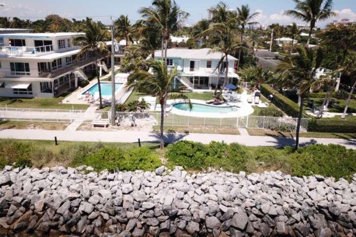 Portside 4 - Queen Studio/Pool/BBQ/Walk to the Beach, Marina, Restaurants, Bars,, vacation rental in Riviera Beach