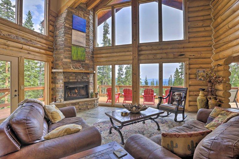 Rustic Breckenridge Escape w/ Hot Tub & MTN Views!, holiday rental in Alma
