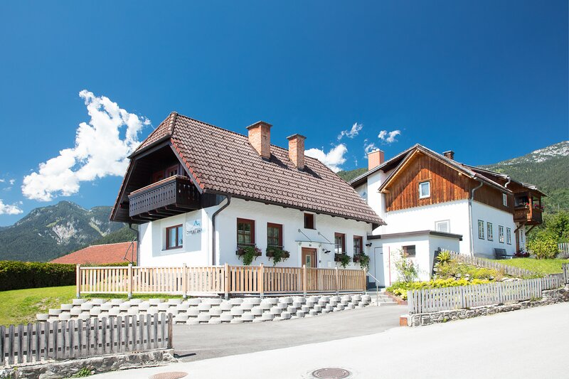 Chalet am See, holiday rental in Weissenbach