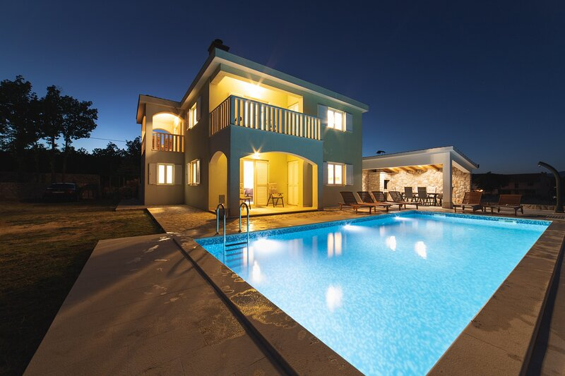 Villa Green and Blue, holiday rental in Cista Provo