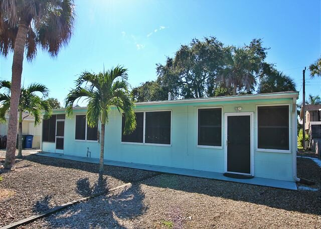 168 Hibiscus Dr - Home Near Beach, holiday rental in Fort Myers Beach