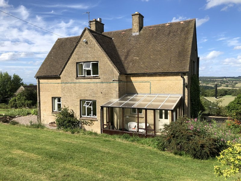 Tranquil 3 bedroom Farmhouse, holiday rental in Colesbourne