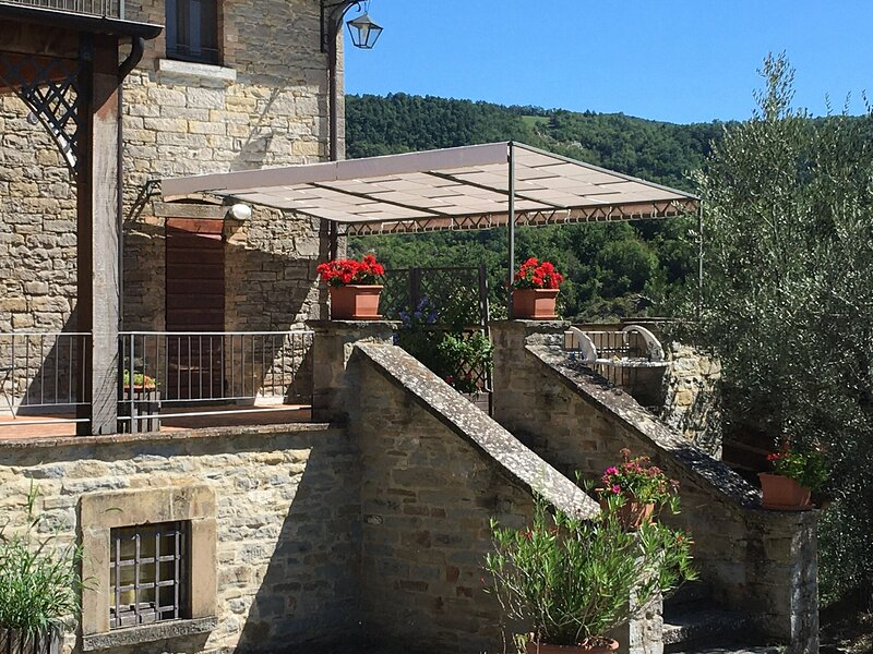 IL FRANTOIO Appartamento FIESCOLO, holiday rental in Montone
