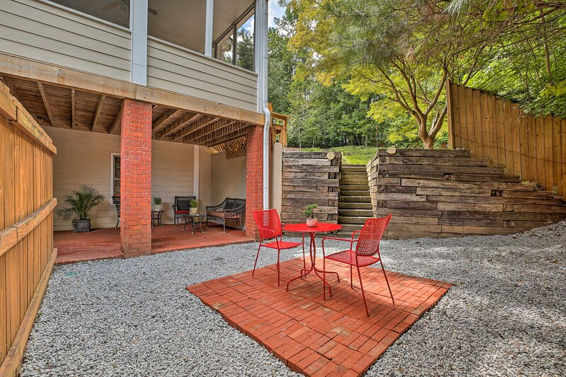NEW! Quiet Neighborhood Retreat - 13Mi to Dtwn ATL, holiday rental in Mableton