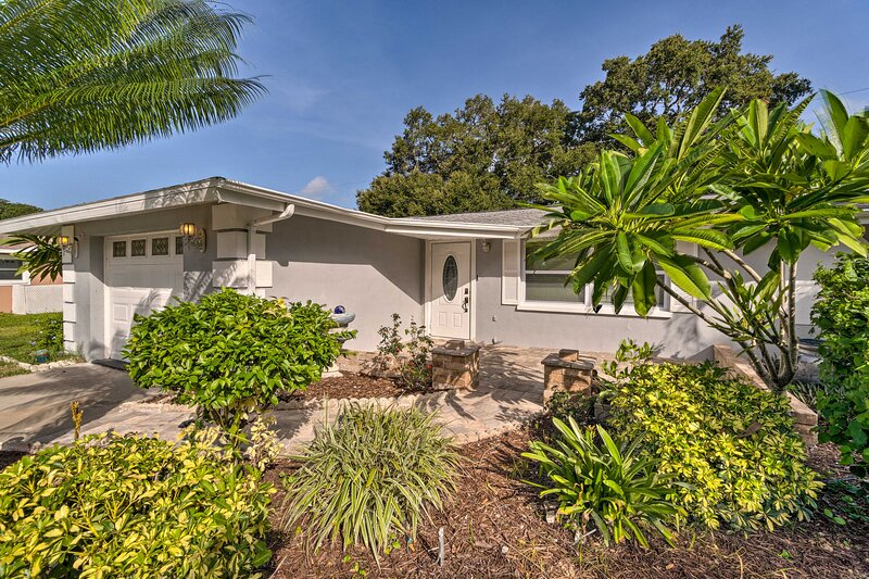 The Venice vacation rental sits mere minutes from the beach.