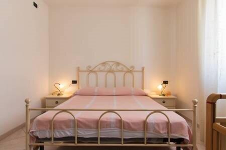 Appartamento in Villetta Vicino al Mare su, vacation rental in La Caletta
