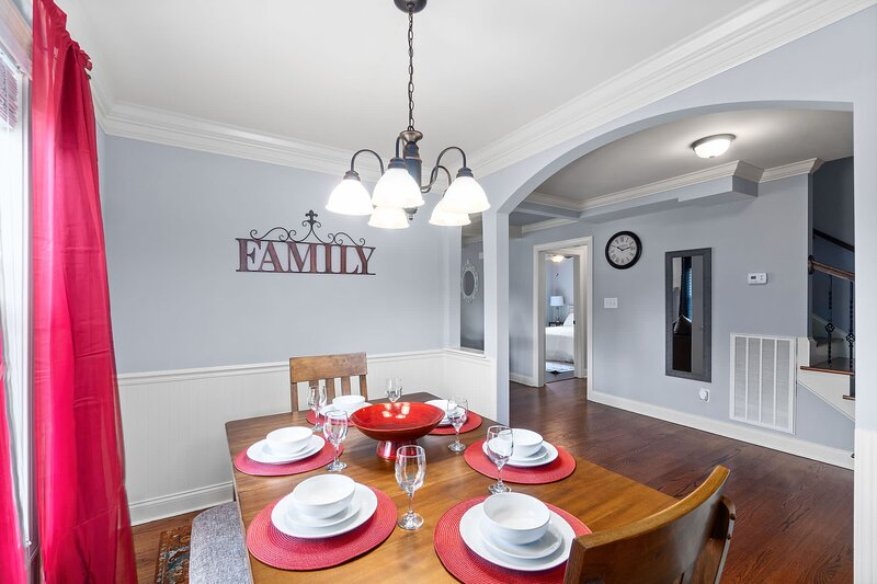 Clarksville Farmhouse!, holiday rental in Southside