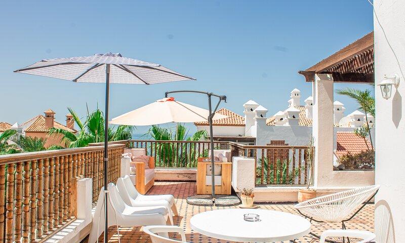 Magnifique Terrasse Sur Locean A Bouznika Bay, alquiler de vacaciones en Región de Rabat-Salé-Zemur-Zaer