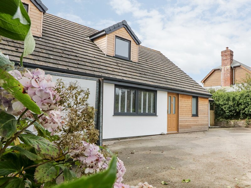 Fairways, Bude, holiday rental in Poughill