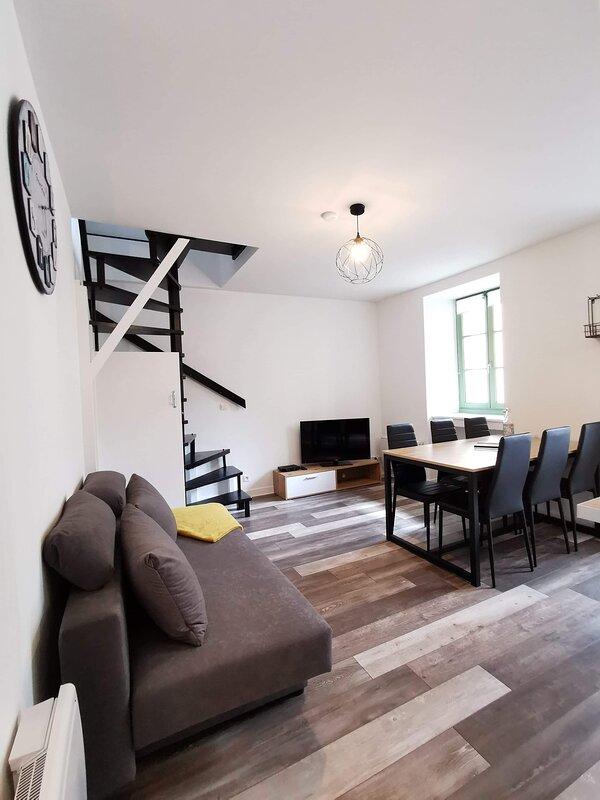Joli appartement maison , Dol de Bretagne, proche Mt-St-Michel et Saint-Malo, location de vacances à Dol-de-Bretagne
