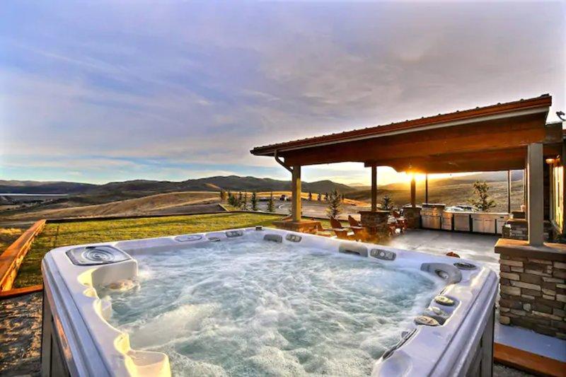 Luxury on 80 Acres 15 min to Park City #Alpacas :), location de vacances à Coalville