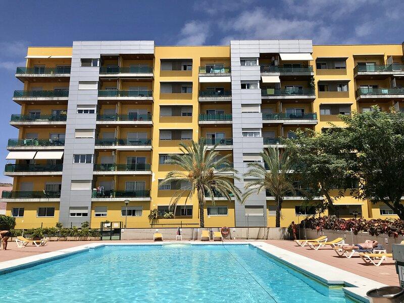 NUEVO Moderno Apartamento con piscina terraza y parking, holiday rental in Tamaraceite