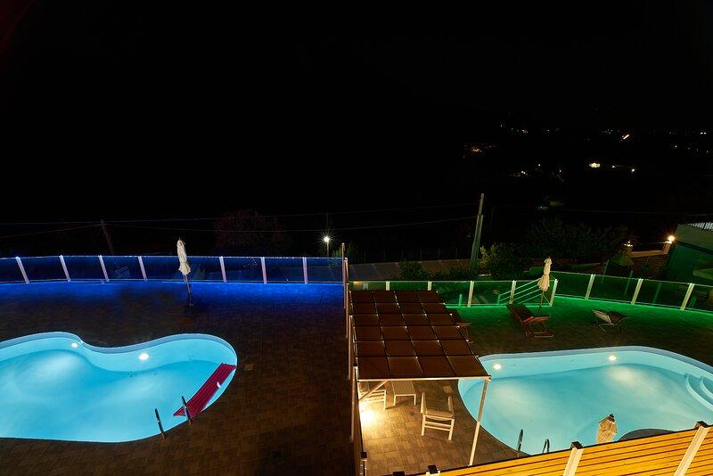 Best Family Friendly Villa near Lake Kournas, holiday rental in Georgioupolis