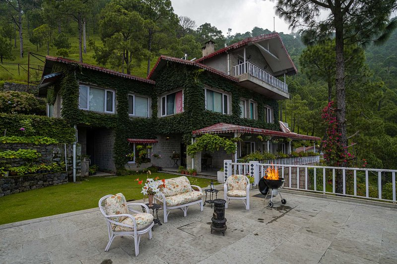 Destine Villa by Vista Rooms, holiday rental in Manimajra