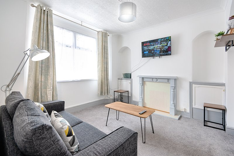 STOP! Stay at The Jersey, holiday rental in Margam