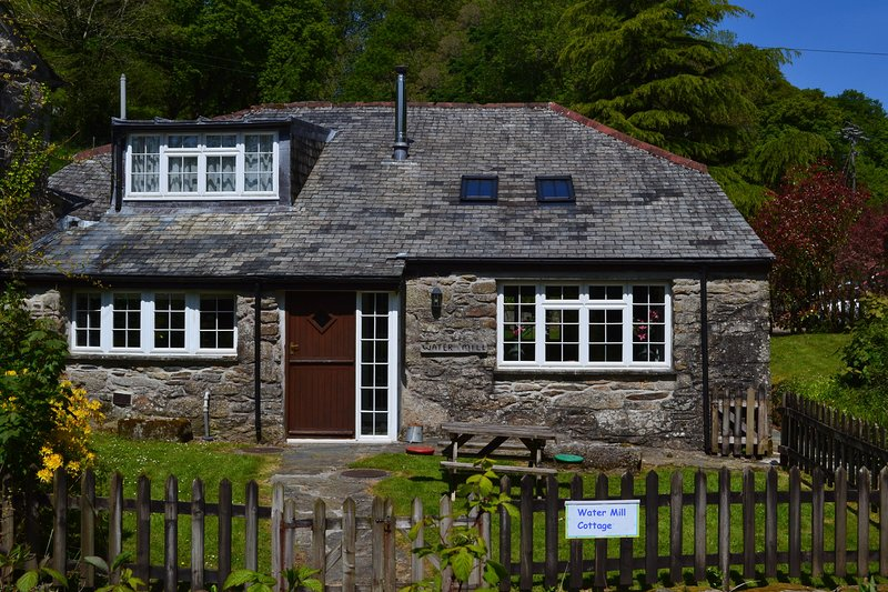 WATER MILL COTTAGE, holiday rental in Bodmin