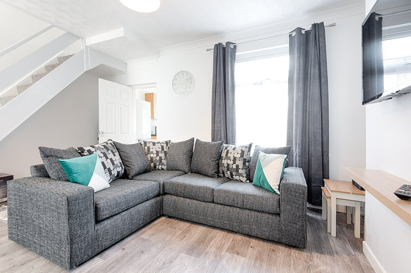 The Place to Yourself - Swansea City, holiday rental in Sketty