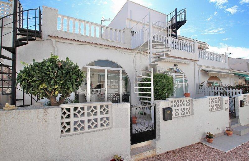 Your idlyllic house in Torrevieja, Costa Blanca, location de vacances à El Chaparral