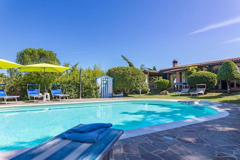 Monticiano Villa Sleeps 6 with Pool - 5711289, holiday rental in Monticiano