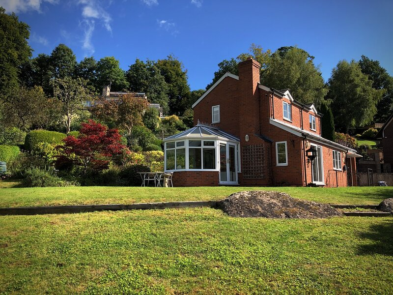 The Kernel - Kerne Bridge River Wye. AONB. Your holiday home from home!, location de vacances à English Bicknor