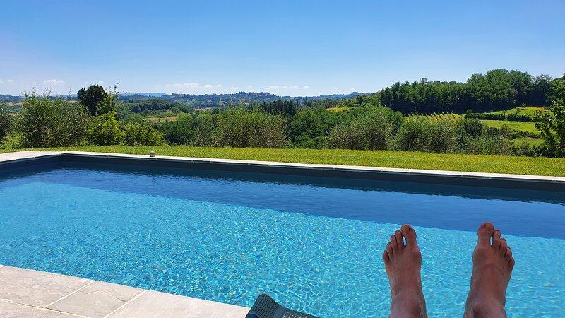 Zimmer mit Bad und großem Balkon, holiday rental in Casciana Alta