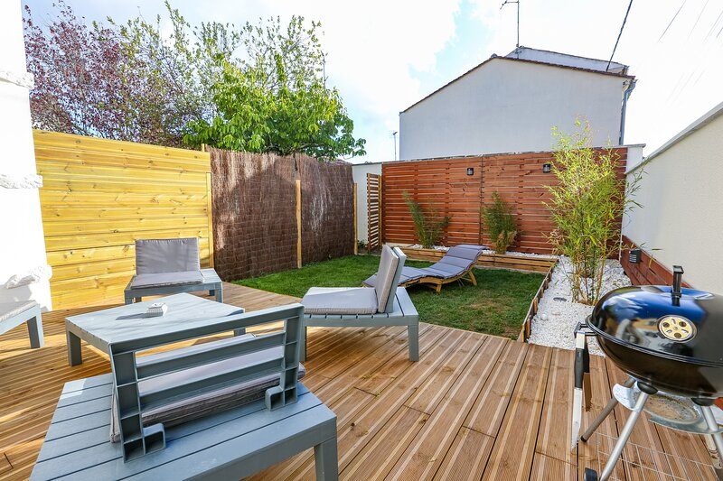 Cognac centre - 3 chambres - Terrasse & Jardin, holiday rental in Courbillac