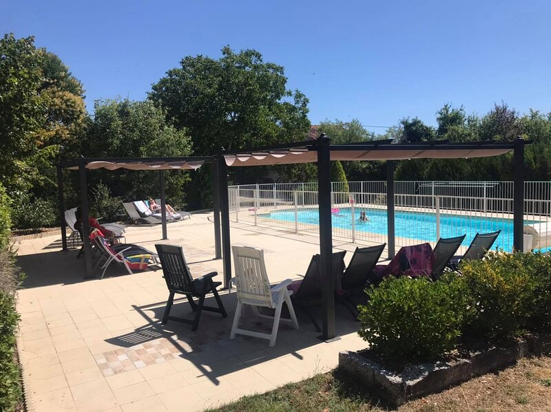 Les Vieilles Ombres - Gite Complex 25 Minutes from Cognac, vacation rental in Aumagne