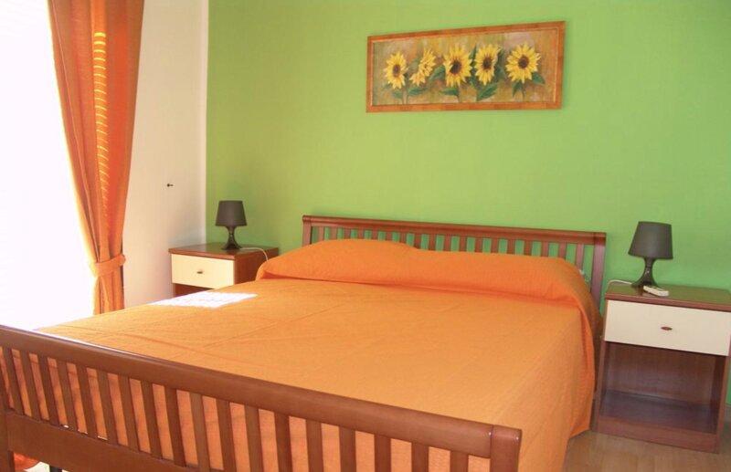 Residence Costa del Sole a 50 mt dalla spiaggia di sabbia del litorale, holiday rental in Villaggio San Leonardo