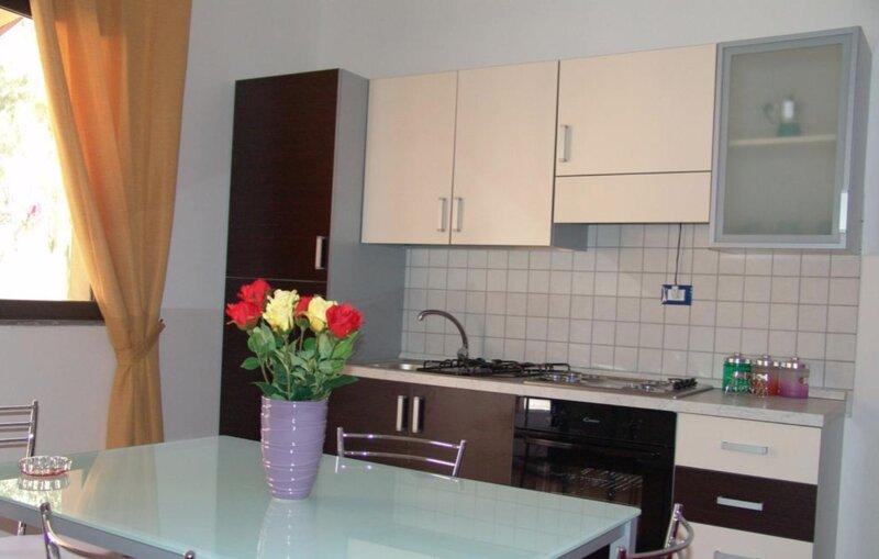 Appartamento Residence Costa del Sole a 50 mt dalla spiaggia, holiday rental in Villaggio San Leonardo