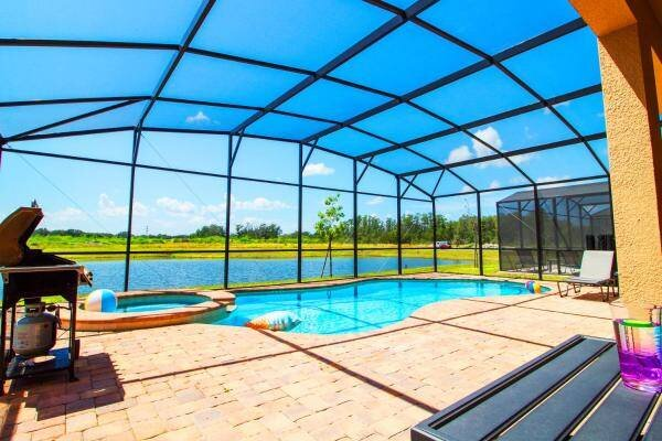 Golden Palms Resort 8 Bedroom Vacation Home with Pool (1904), alquiler de vacaciones en Kissimmee