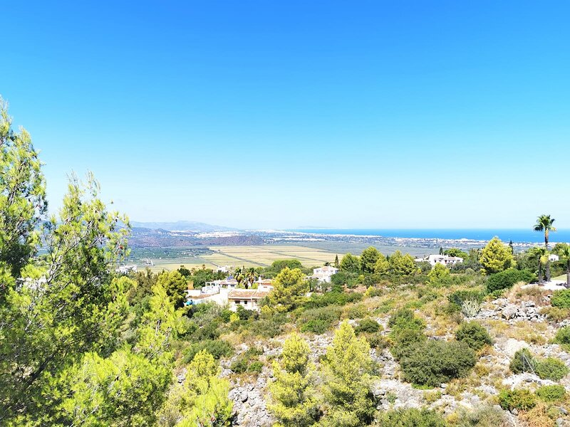 Luxurious Villa with sea and mountains views and private pool on Monte Pego, holiday rental in Tormos